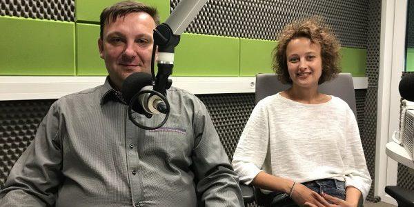 """Agnieszka Rawdo i Edward Kiejzik dla Radia Wilno o sztuce """"Lalki, moje ciche siostry"""""""