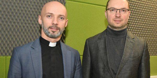 """Ks. Włodzimierz Sołowiej i ks. Franciszek Jusiel dla Radia Wilno o konferencji """"Nie narodził się żaden mąż taki jak Józef"""""""