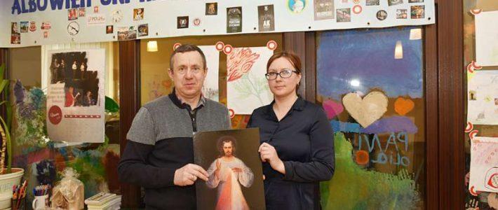 Tadeusz Romanowski i Ola Kowzan dla Radia Wilno o Wspólnocie Miłosierdzia Bożego w Solecznikach
