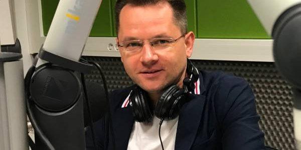 Edward Trusewicz dla Radia Wilno o biało-czerwonym pochodzie