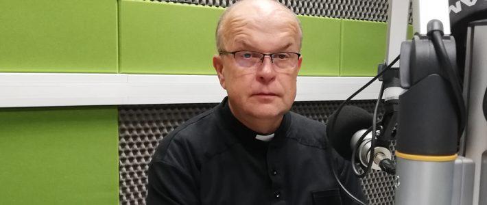 """Ksiądz dr Adam Szot dla Radia Wilno o książce """"Na większą chwałę Bogu"""""""
